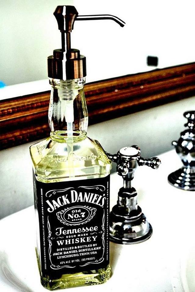 jack-daniels-saboneteira