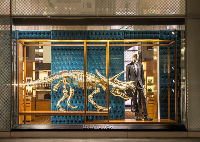 Louis-Vuitton-vitrine-3