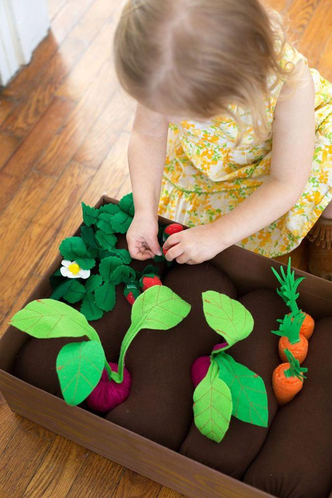brinquedos-baratos-horta-de-feltro (5)