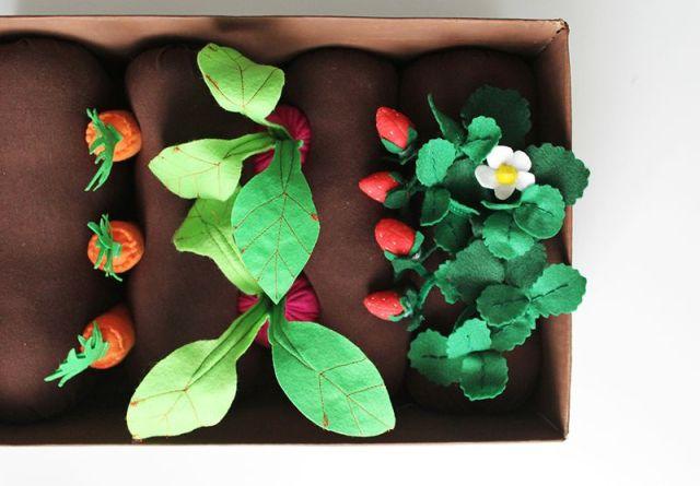 brinquedos-baratos-horta-de-feltro (6)