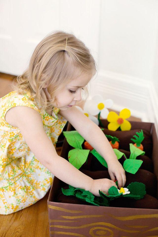 brinquedos-baratos-horta-de-feltro (7)