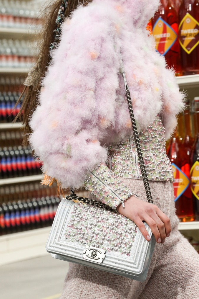 supermarket-chanel-fashion-show (27)