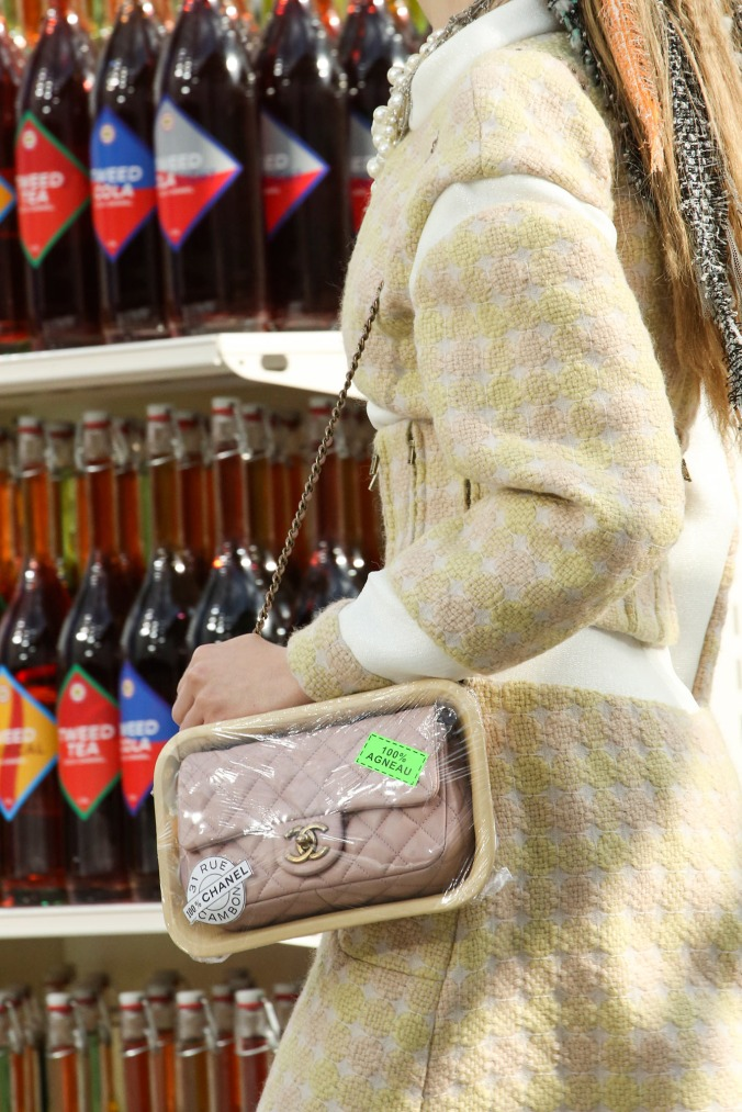 supermarket-chanel-fashion-show (7)