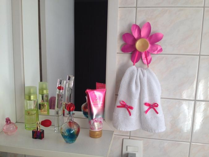 diy-porta-toalha-flor