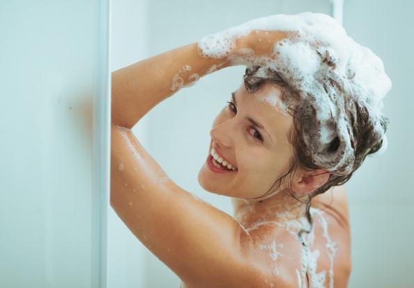 com-economizar-água-banho