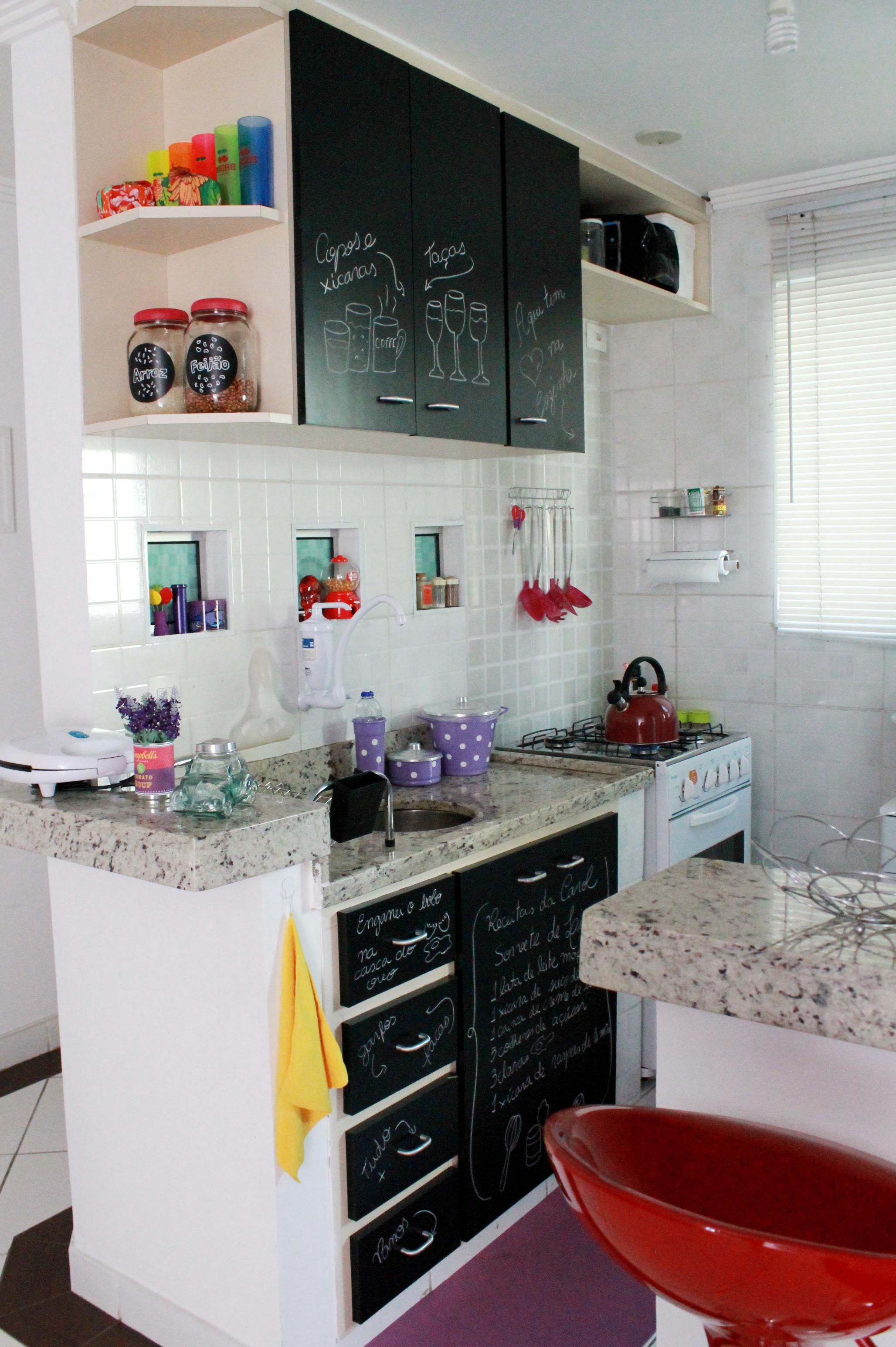 Reforma nos Armário da Cozinha com Papel Contact Troca Troca  #781F1E 2056x3088