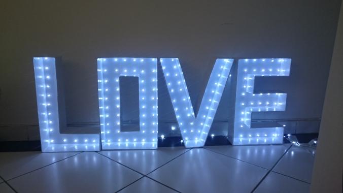 love-iluminado-de-papelão-pisca-pisca (17)